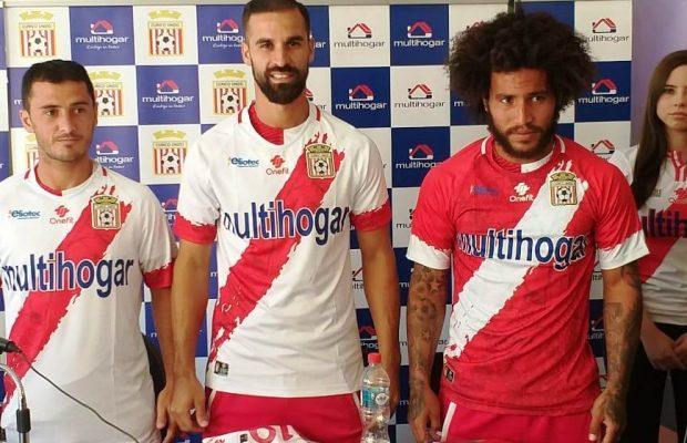 Curico Unido: Curicó Unido Presentó En Sociedad Camiseta Para Temporada